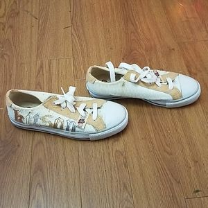 Kitson low top sneakers size 6